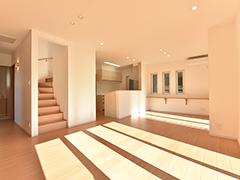 「階段を中心にした動線で、家族のコミュニケーションと家事ラクを叶えた住まい」お客様邸見学会(土浦市)