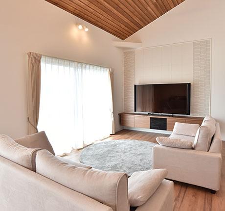 贅沢設備と小屋裏収納のある平屋の住まい