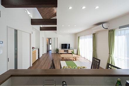 デザインや間取りにこだわった開放的な平屋の住まい