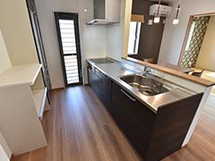 2日間限定「豊富な収納&家族を見守れるキッチンで、子育て家族を応援する住まい」家具付きデザイン住宅見学会(つくば市)